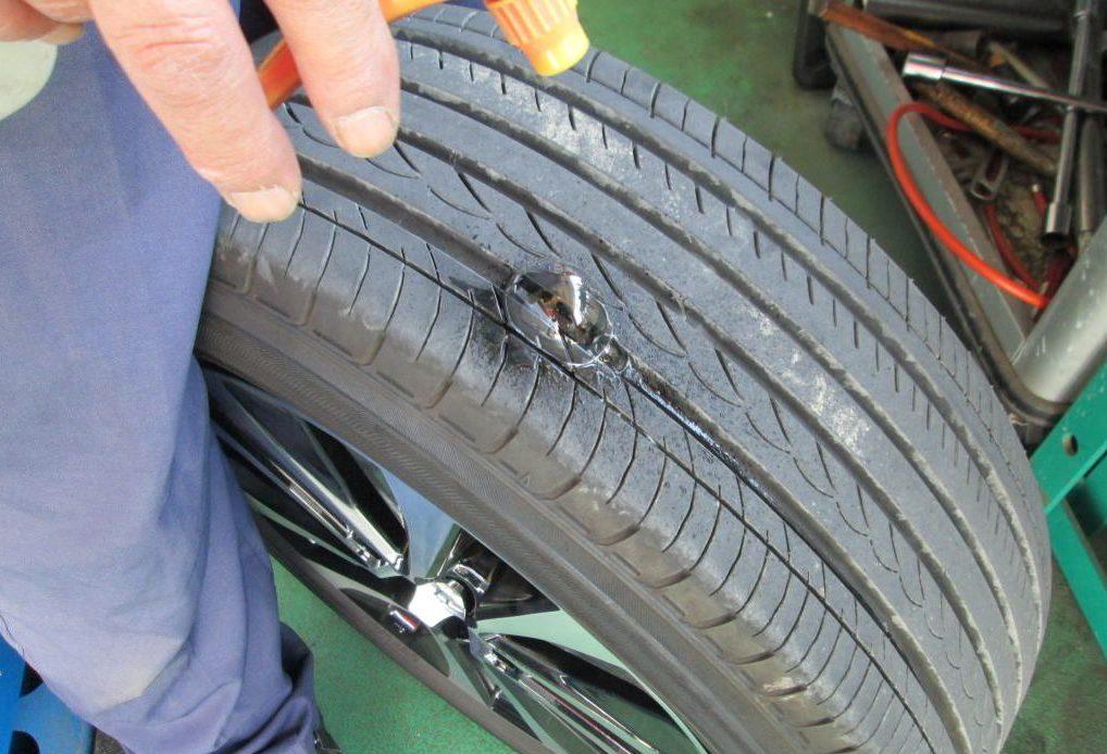 SAI タイヤ 修復作業