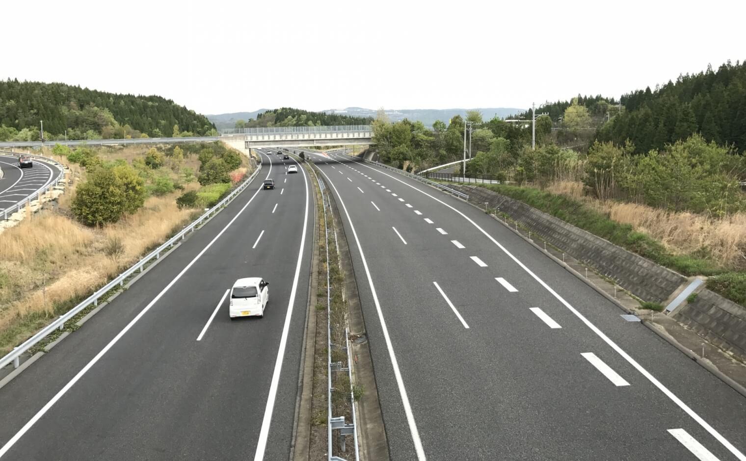 高速道路と自動車専用道路と高速自動車国道の違い