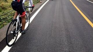 どっちが違法!? 自転車のすり抜けと車の幅寄せの関係を調べてみた!