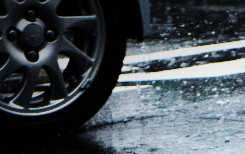 雨の日のスタッドレスタイヤ