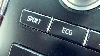 SAIのスポーツモードとエコモード! その走りと燃費は!?