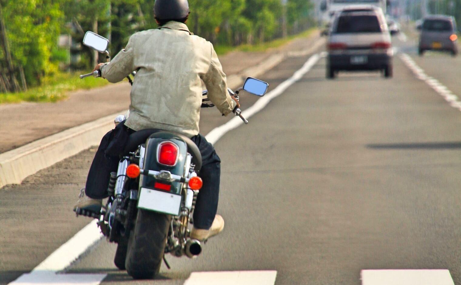 バイクのすり抜け
